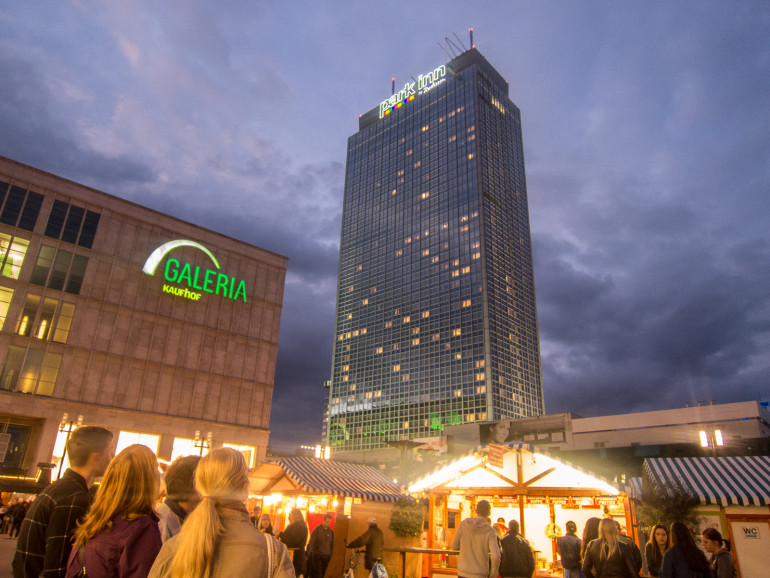 Alexanderplatz med Park Inn