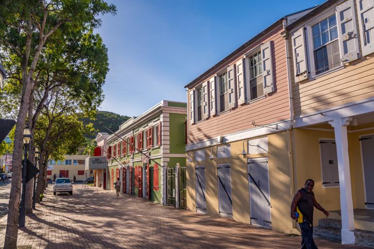 StCroix-pæne huse på torv